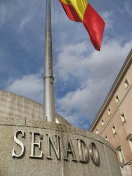 El Senado pide un plan de promoción del vino español al Gobierno