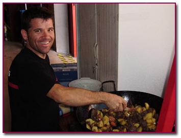 PabloD Gourmet - Miguel Ángel preparando Liebre con patatas
