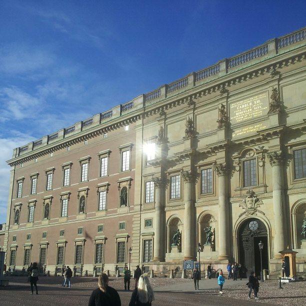 El palacio Real de Stockholm que se puede ver en un laaaargo paseo por la capital de Suecia