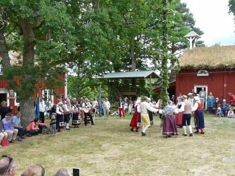 todo-el-mundo-celebra-esta-gran-fiesta-en-escandinavia